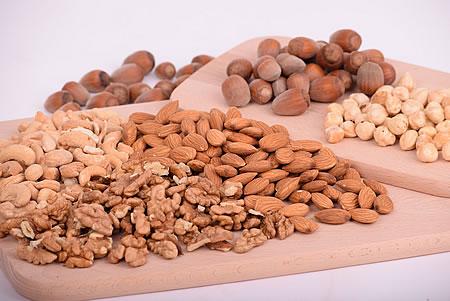 Nüsse enthalten verschiedene B-Vitamine